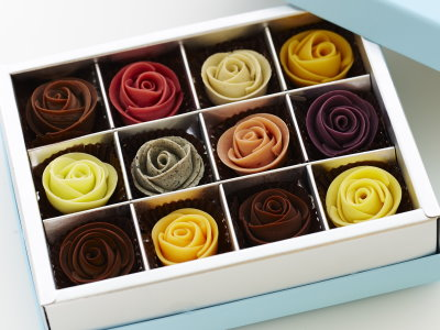 玫瑰花巧克力禮盒 情人節前夕好搶手