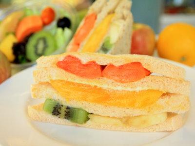 人氣早餐店 水果三明治每日限量超搶手