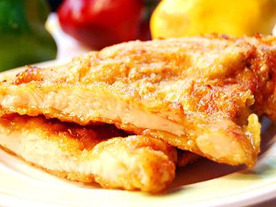 幫雞排按摩 醬料入味、口感更佳