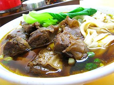 濃郁湯頭紅燒豬肉麵 肉質鮮嫩有嚼勁
