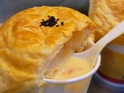 夜遊旗山請空腹前來 美味小吃讓您口口滿足