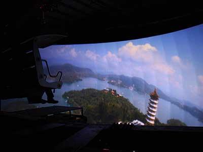 模擬空中飛行遊樂設施 俯瞰台灣怡人美景