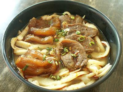 刀削牛肉麺
