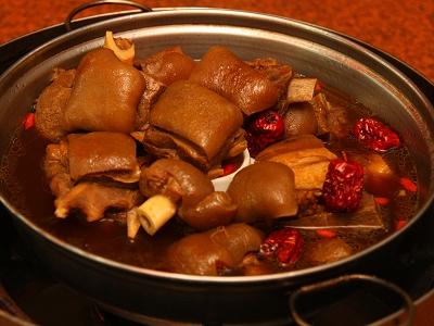 本土帶皮帶骨的羊肉爐香Q細嫩好食補