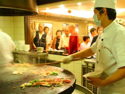 蒙古烤肉吃到飽 百匯料理無限自助