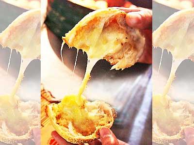 當胡椒餅遇上馬鈴薯起司 香濃拔絲熱騰騰出爐
