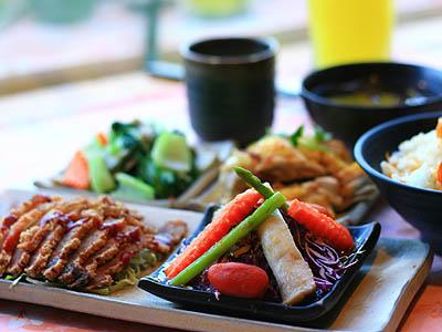 三義桐花主題餐廳 走進客家飲食文化的意象中