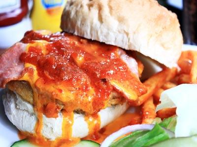 特色美式新醬料 一口咬下蟹肉醬大漢堡