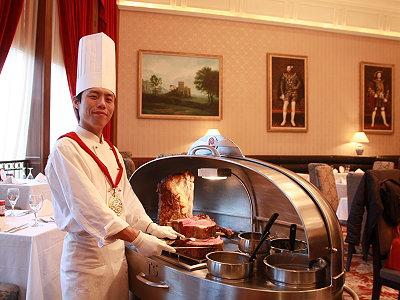 比佛利山莊頂級牛肋排 百萬餐車桌邊服務