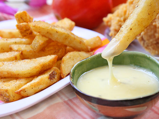 黃金脆薯搭法式沙拉醬 酸甜迷人滋味