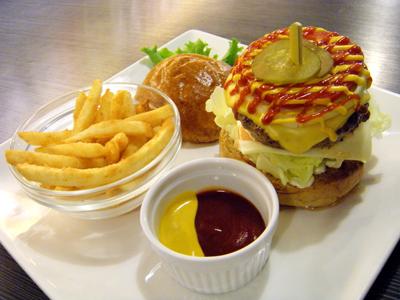 特選漢堡麵皮與茶飲 精緻滿足的午茶時光