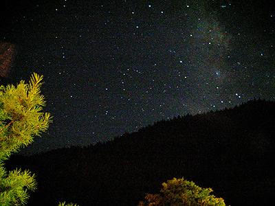中秋夜晚月亮图片