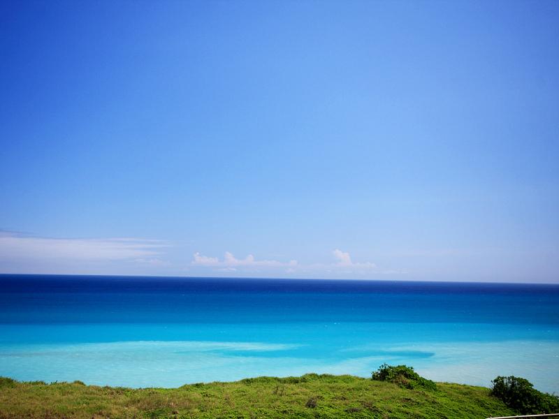 【一千零一夜】花蓮海景民宿 海是故鄉藍 擁抱動人左岸情  早晨起來,只須拉開窗簾,即可擁泡蔚藍大