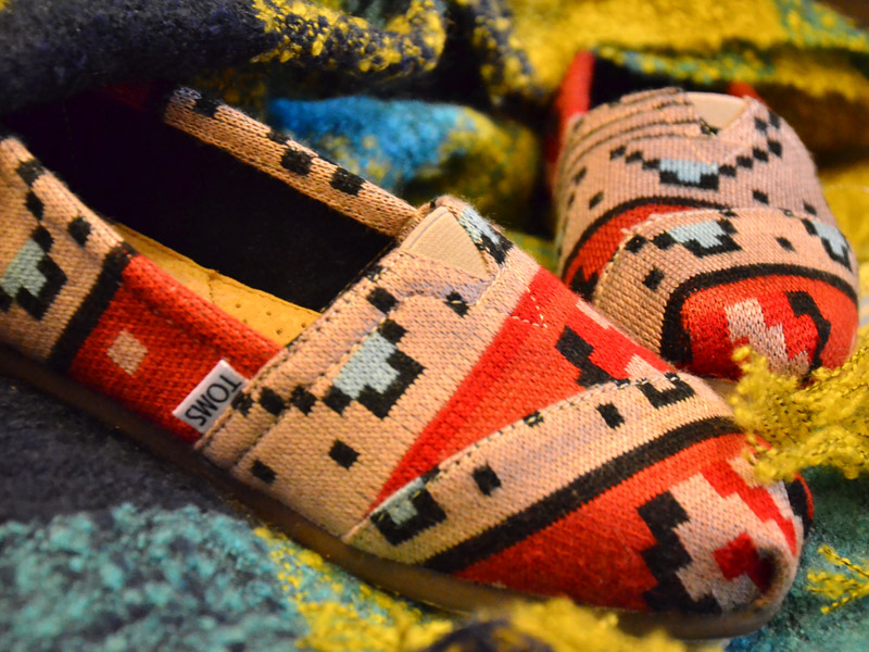 TOMS shoes keep your feet warm in winter